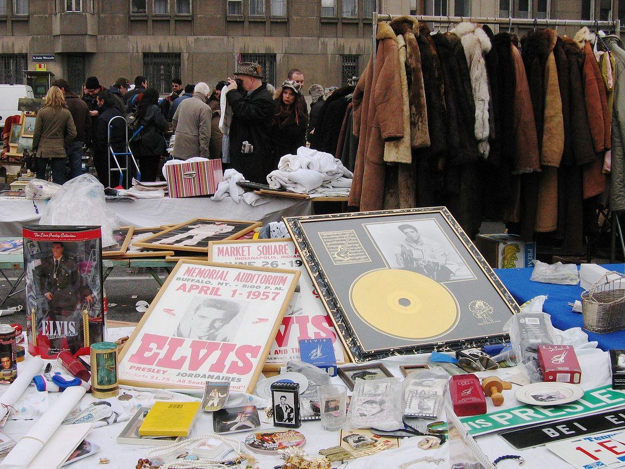 1280px-Wien_Naschmarkt_Elvis